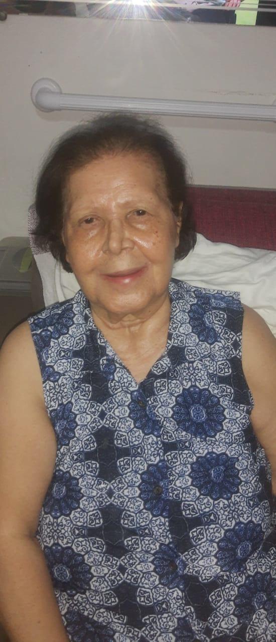 Adir Costa Santiago, viúva de Amadeu Antunes Santiago