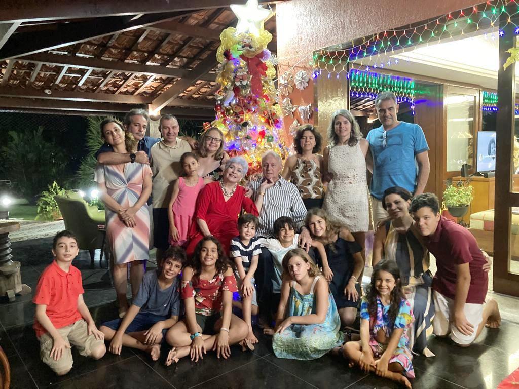 Comélio Diógenes, e família